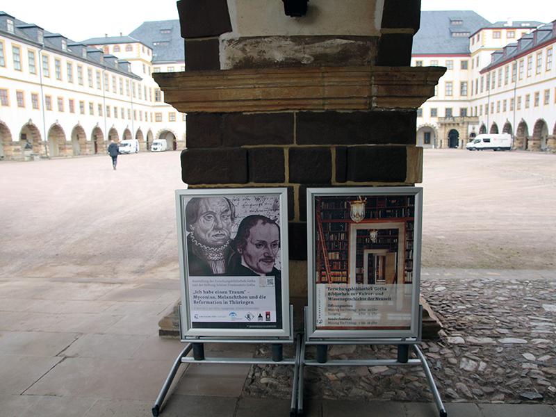 """Ausstellung """"Ich habe einen Traum"""": Schlosshof"""