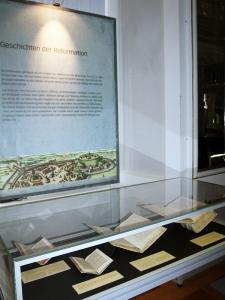 """Ausstellung """"Ich habe einen Traum"""": Vitrine"""